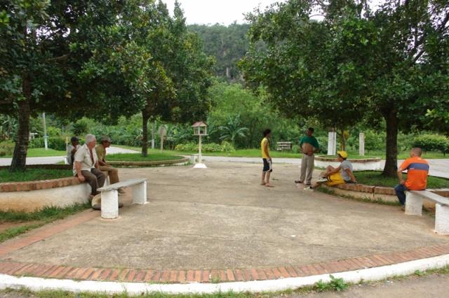 El parque-rotonda del pueblo