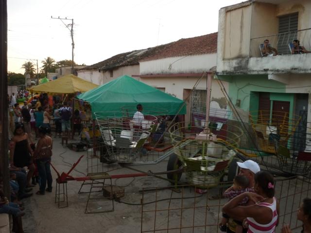 Aparatos traídos a Guanajay con motivo de las fiestas populares. Foto: Javier Montenegro