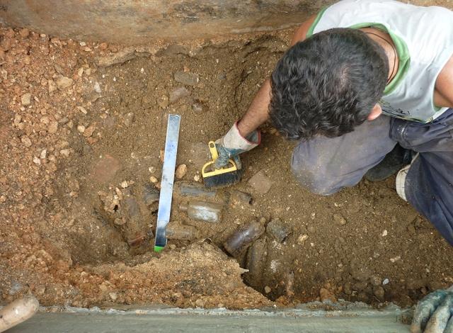camueiras_limpiando_la_zona_de_excavacion